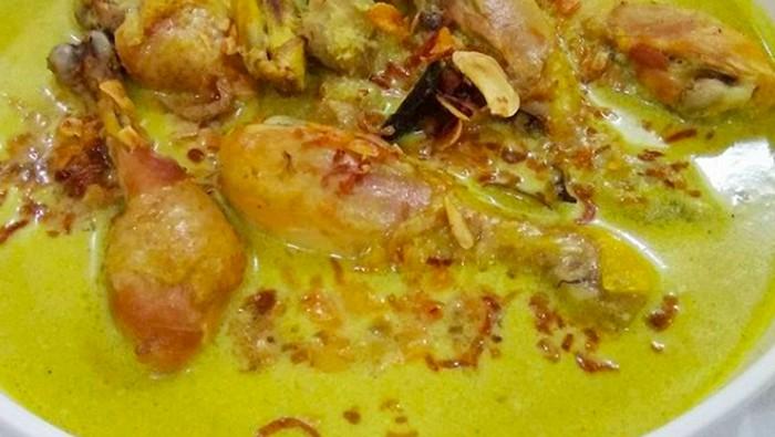 Tips biar timbangan tetap aman meski ketagihan makan opor ayam. Foto: Instagram