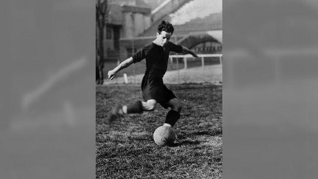 Guilermo Stabile menjadi pencetak gol terbanyak di Piala Dunia edisi pertama tahun 1930.