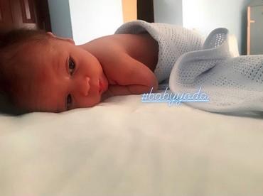 Ini waktu beberapa hari setelah Baby Yoda lahir. Imut banget ya? (Foto: Instagram/ @reisabrotoasmoro)