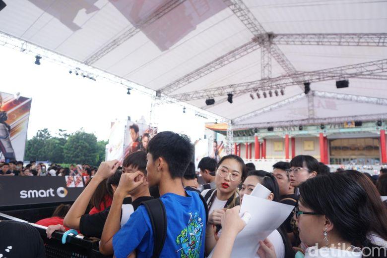Ratusan fans membanjiri red carpet jelang premiere Ant-Man and The Wasp di mulai. Foto: (Saras/detikhot)