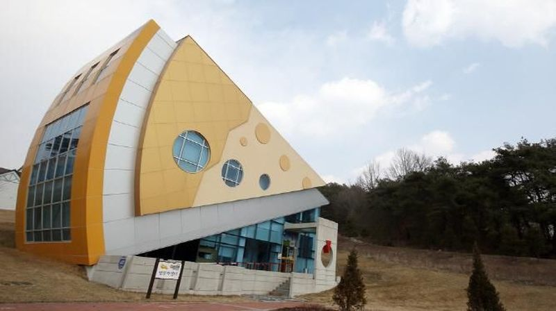 Inilah Imsil Cheese Theme Park. Sebuah taman bermain yang bertema keju di Imsil, 230 km dari Seoul (Visit Korea)