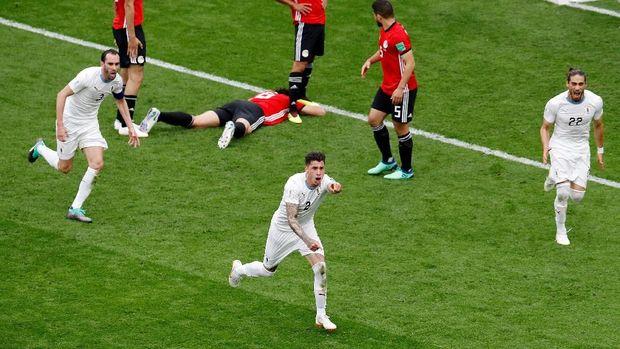 Timnas Uruguay meraih kemenangan dramatis lawan Arab Saudi.