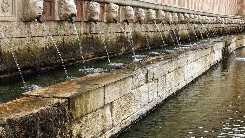 Foto: Fontana delle 99 Cannelle (3daniele/Instagram)