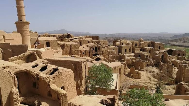 Desa Kharanaq di Iran (jir.burda/Instagram)