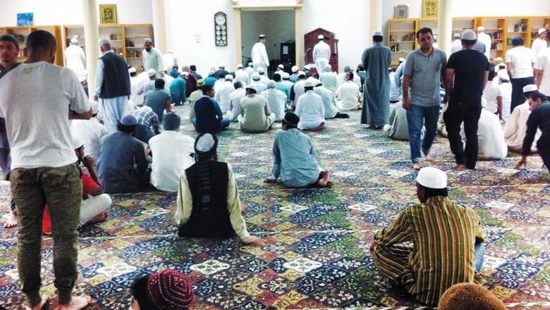 Suasana Salat Isha di Masjid Fawkner Melbourne Foto: Istimewa/Erwin Renaldi