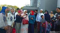 Cerita Risma Menjalankan Puasa Hingga Menjaga Surabaya