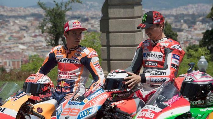 Marc Marquez akan belajar banyak dari Jorge Lorenzo, rekan setimnya di MotoGP 2019 mendatang (Foto: Mirco Lazzari gp/Getty Images)