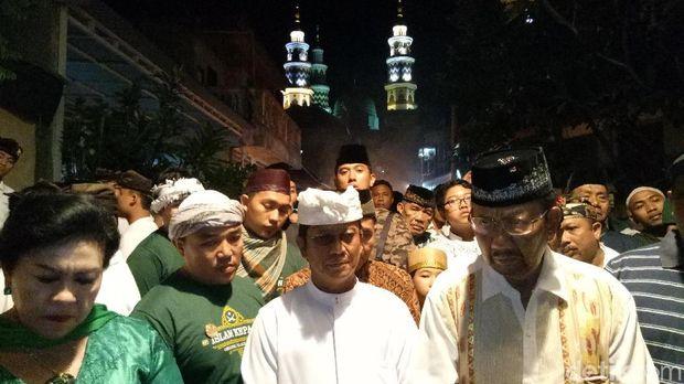Indahnya Toleransi, Pemuda Hindu Ramaikan Malam Takbiran di Bali