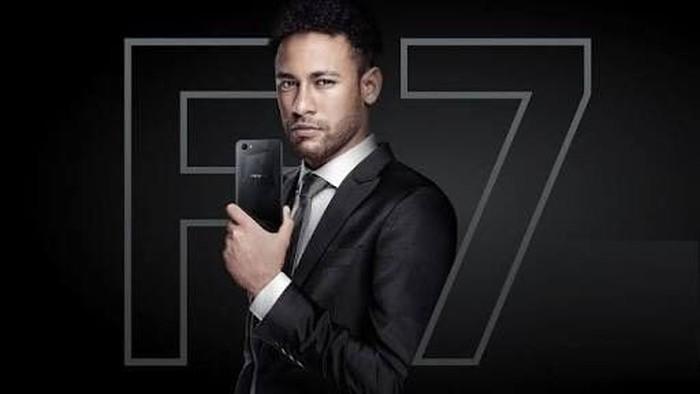Neymar dan ponsel Oppo. Foto: istimewa