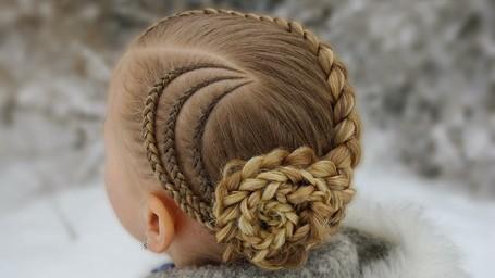 Yuk, Bikin si Kecil Tampil Beda dengan Kepang Rambut Ini