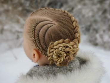 Dengan kepang model ini, rambut anak jadi terlihat lebih rapi deh. (Foto: Instagram/studiohilde via brianasbraids)