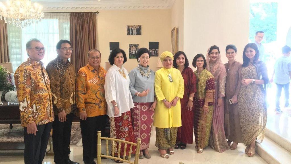 Mantan Petinggi OJK Kumpul di Acara Open House Bos LPS