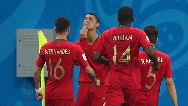 Pemain timnas Portugal Cristiano Ronaldo melakukan selebrasi gol ke gawang Spanyol, di Fisht Stadium, Sochi, Rusia, 15 Juni.