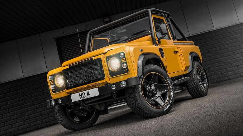 Chelsea Truck Company World Cup edition, Honey Mustard Defender 2.2 TDCI XS 90 – Chelsea Wide Track edition. Foto: dok. Kahn Design