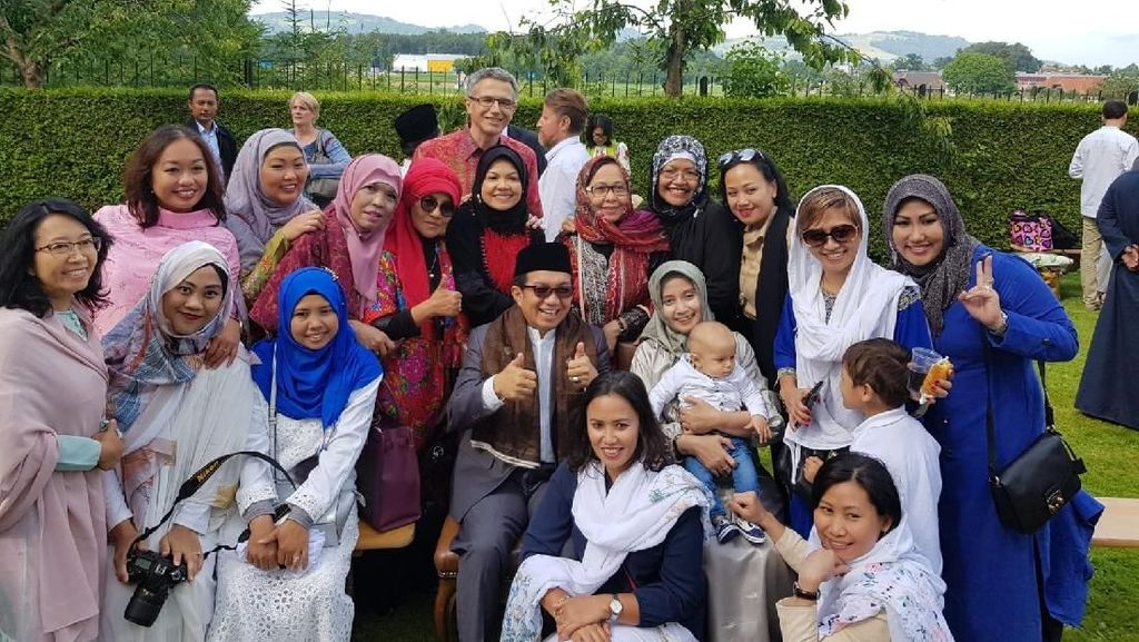 Cerita Hangatnya Perayaan Idul Fitri WNI di Luar Negeri