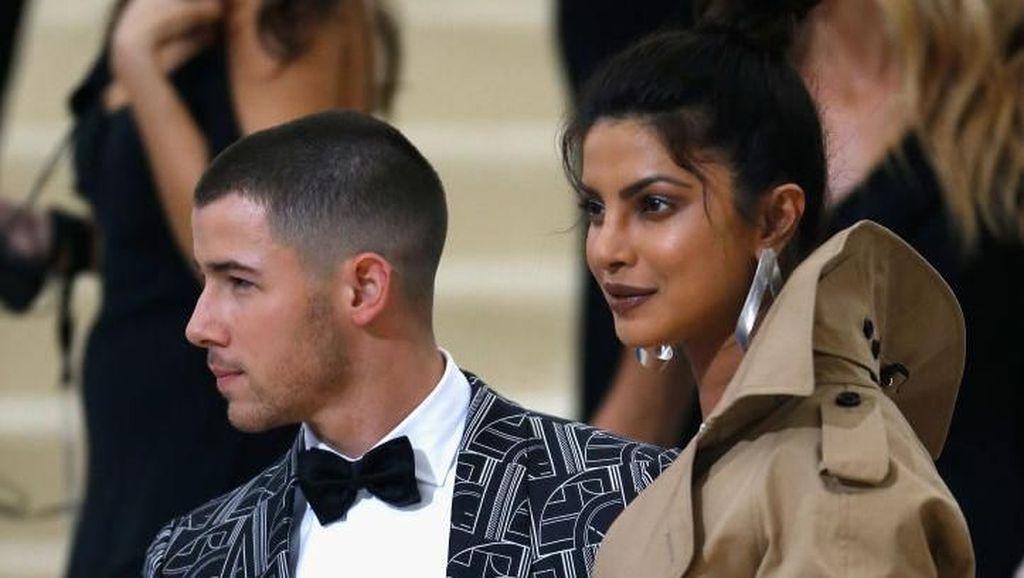 Nick Jonas Rayakan Ultah Priyanka Chopra dengan Makan Malam Romantis