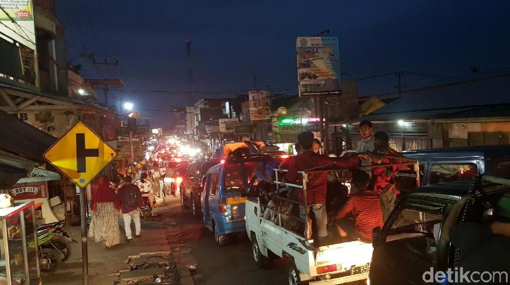 Bogor ke Sukabumi Macet, Kendaraan Terjebak di Jalur Alternatif