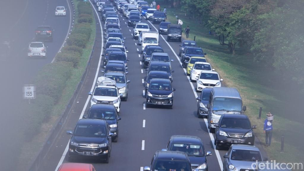 Cileunyi Padat, Exit Tol Gedebage Bandung Dibuka