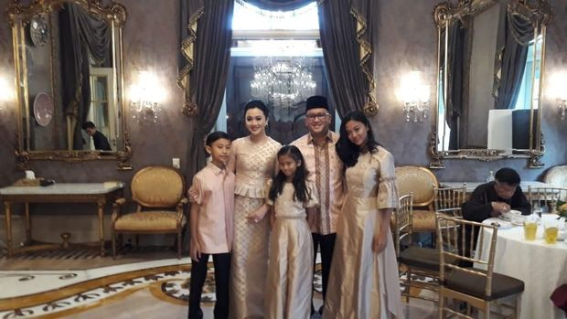 Rosan dan Keluarga