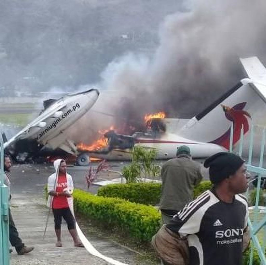 Rumah Gubernur Dibakar, Status Papua Nugini Darurat