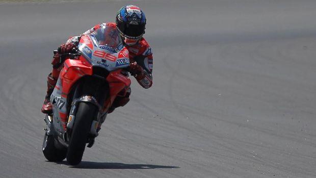 Jorge Lorenzo mengisi baris start terdepan di MotoGP Austria 2018.