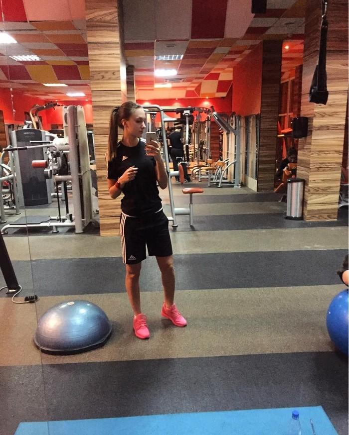 Badan ideal yang dimiliki Katerina tentu saja berkat olahraganya. Ia rutin pergi ke gym untuk latihan beban. Foto: Instagram/Еkostyuninaa