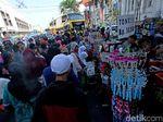 PKL Masih Menjamur di Kota Tua, Sandiaga: Gulanya di Sana