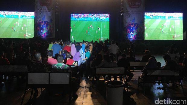 Suasana nobar Piala Dunia di Jakarta Fair