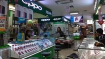 Penjualan Handphone di Toko Sepi, Apa Penyebabnya?