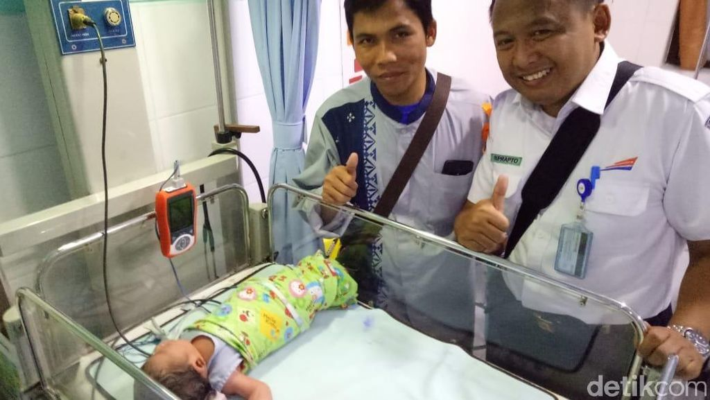 Cerita Pemudik Melahirkan Saat Perjalanan Kereta Api di Semarang