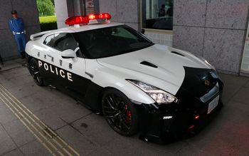 Saat Nissan GT-R Jadi Mobil Patroli Polisi