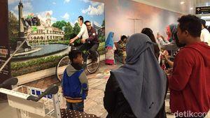 Foto Dibonceng Jokowi di Bandara Semarang Digemari Traveler