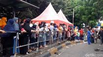 Libur Lebaran, Antrean Bus Tingkat Wisata di Kota Tua Mengular