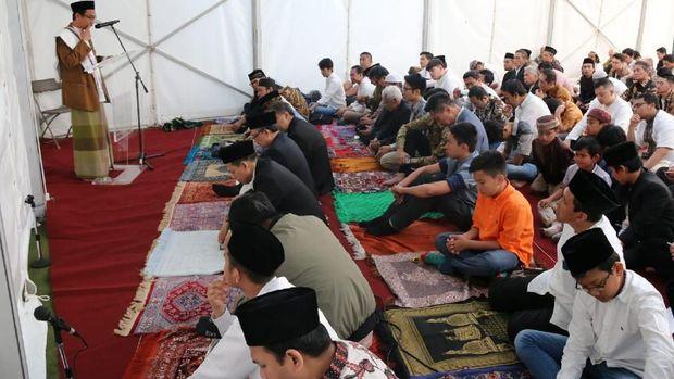 Suasana Salat Eid Idul Fitri 1439H di KBRI London, Jumat (15/6).