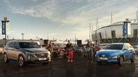 Maroon 5 dengan Hyundai.