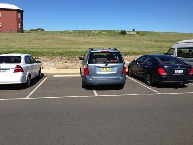 Parkir di luar ruangan. Foto: Dok. Istimewa