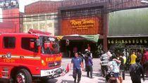 Dapur Rumah Makan di Rawamangun Terbakar Akibat Korsleting