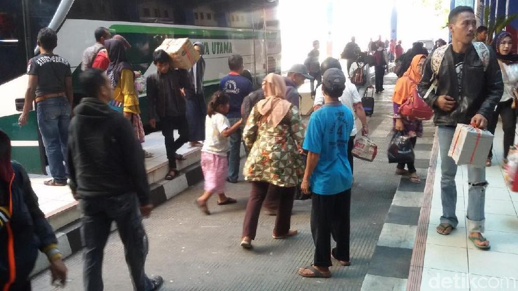 Arus Mudik di Terminal Penumpang Yogyakarta Masih Terjadi
