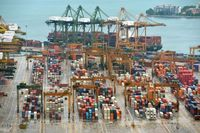 Ekspor Singapura Terkapar, Gara-gara Hantaman Perang Dagang?