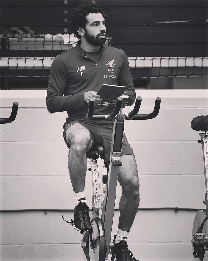 Bagi atlet bola olahraga kardio bisa jadi yang paling penting untuk meningkatkan stamina agar kuat berlarian di lapangan. Foto: Twitter/MoSalah