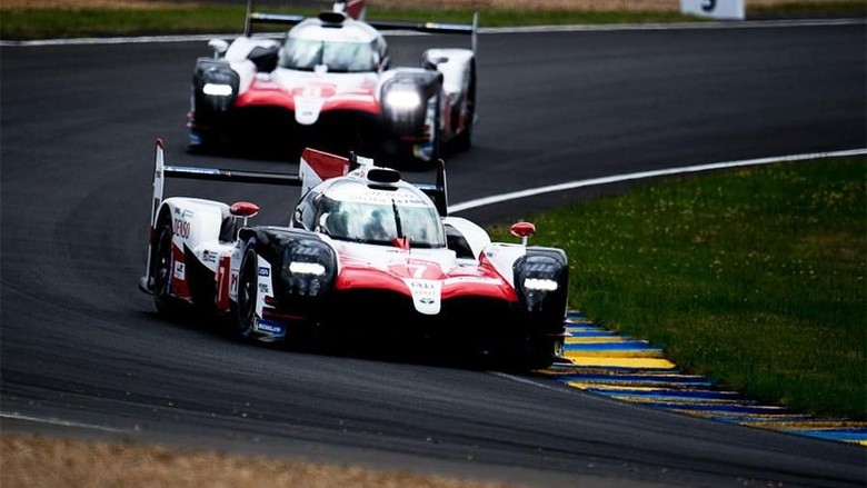TOYOTA GAZOO  Racing. 