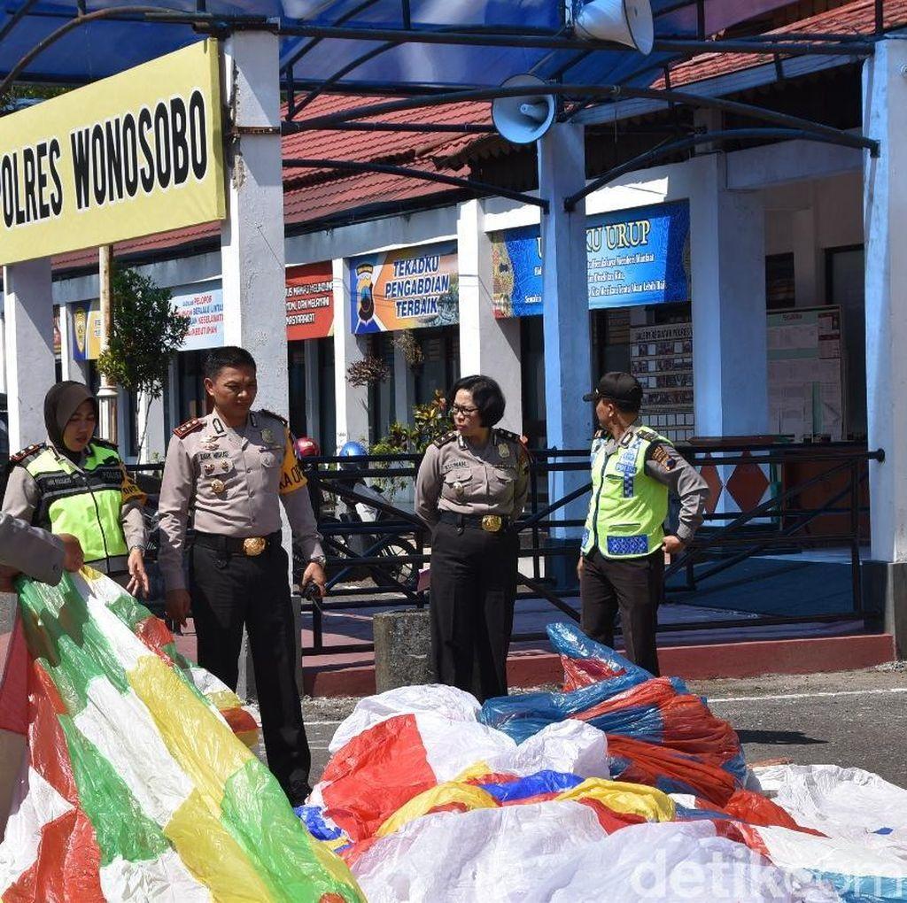 3 Hari Razia, 43 Balon Udara di Wonosobo Disita