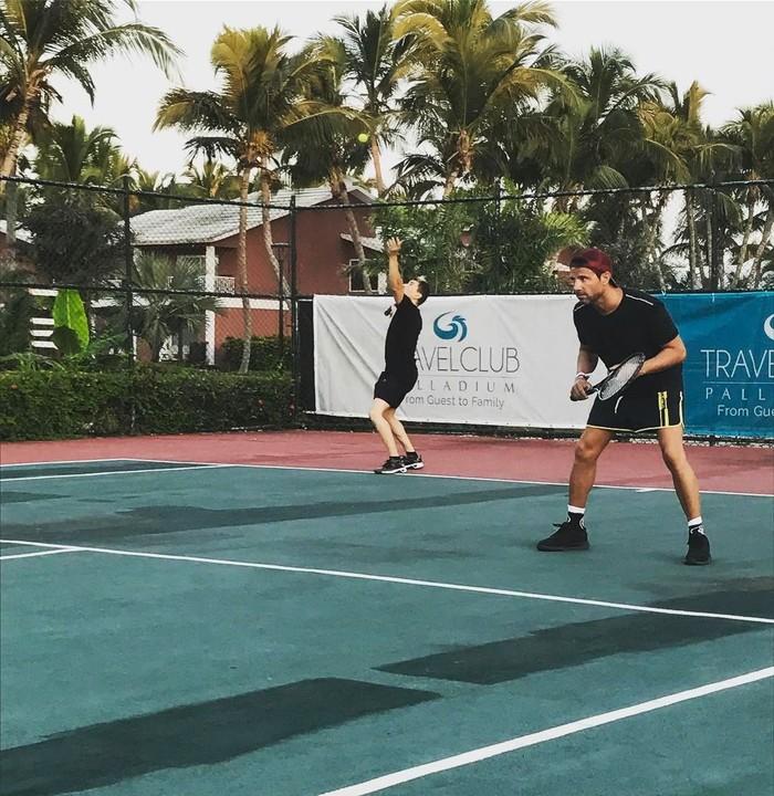 Bukan hanya itu, Lorenzo juga menyukai olahraga tenis. Foto: Instagram/jorgelorenzo99
