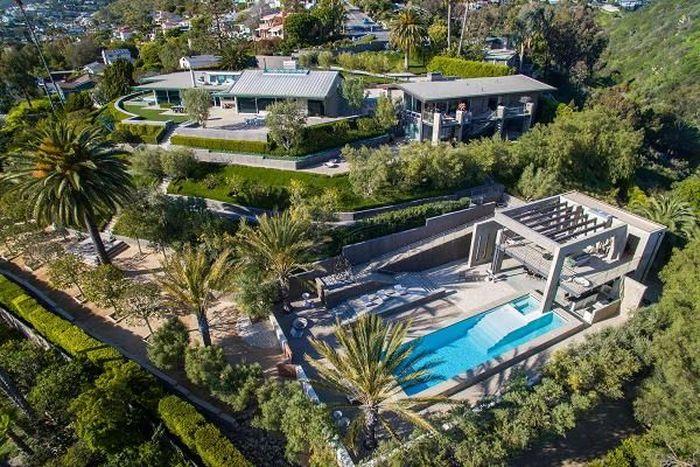 Rumah di Pantai Laguna ini memiliki enam kamar dan dihargai US$ 18 juta atau setara Rp 252 miliar (kurs Rp14.000). Foto: Dok. CNBC/Jim Bartsch