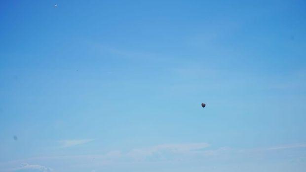 Dalam sehari, Ariya mengakui melihat sampai 10 balon udara