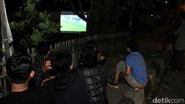 Nobar Piala Dunia di Tengah Kemacetan Nagreg