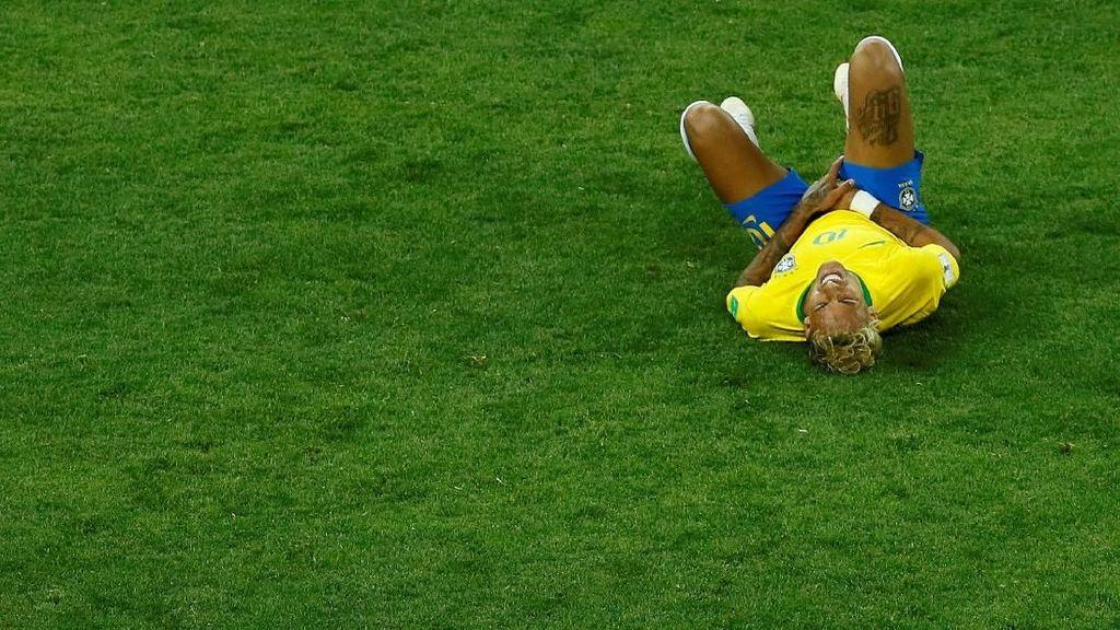 Setelah Dilanggar 10 Kali, Neymar Absen di Sesi Latihan Brasil