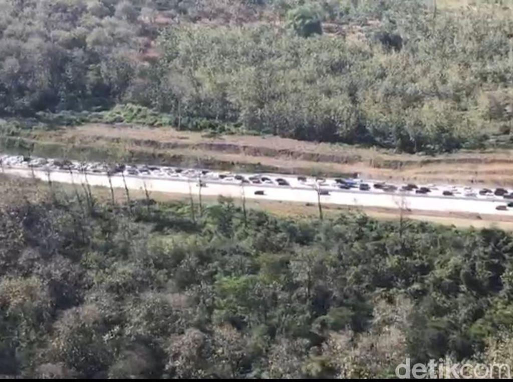 Kapolda Jatim Temukan Antrean Panjang di Pintu Keluar Tol Surabaya