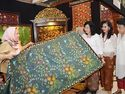 Mejeng di Paris, Batik Jambi Tembus Pasar Eropa