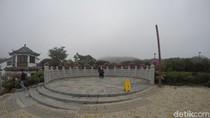 Desa Cantik Ngong Ping 360 dan Kereta Gantung Lantai Kaca